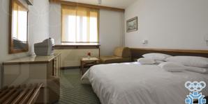 Dvokrevetna soba sa pomocnim ležajem